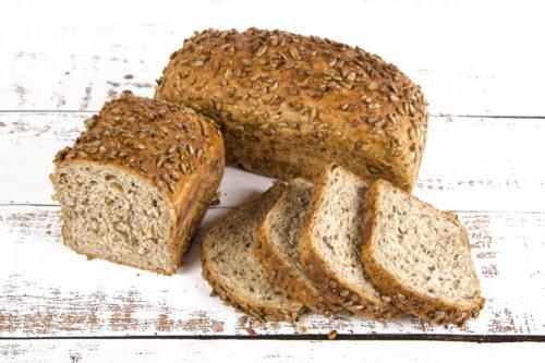chleb razowy z ziarnami 600g